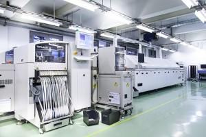 Điện thoại VIVAS Lotus được sản xuất tại nhà máy của VNPT Technology ở Hà Nội (ảnh do công ty cung cấp)