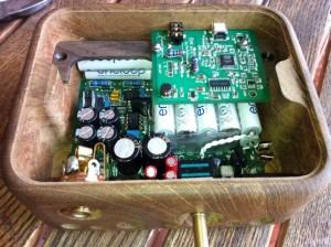 Bạn có thể tùy biến nguồn điện, lựa chọn tụ trên ODAC/O2 của riêng mình, nhưng thiết kế bảng mạch không thể thay đổi