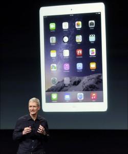 Apple-Tim-Cook-iPad-Air-2