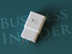 if-you-use-the-charger-that-comes-with-the-note-edge-you-can-charge-the-battery-very-quickly