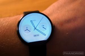 lam-moi-smartwatch-moto-360-voi-loat-mat-dong-ho-vua-duoc-cap-nhat