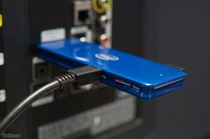 Khe thẻ nhớ microSD sẽ giúp bạn mở rộng bộ nhớ trong cho thiết bị