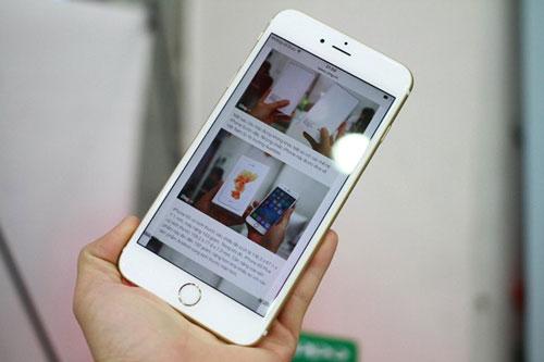 Giá bán của iPhone 6S Plus bản 128 GB tại Việt Nam là 68 triệu, thấp hơn khá nhiều so với mức giá dành cho iPhone 6 Plus năm ngoái (79 triệu đồng). Ảnh: Khương Nha.