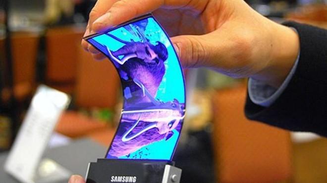 Samsung chuẩn bị tung ra mẫu điện thoại màn hình có thể gập được.