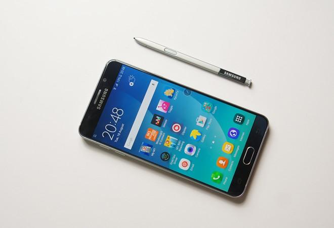 Galaxy Note 5 là chiếc máy Android cao cấp có sức bán tốt nhất hiện nay. Ảnh: Thành Duy.