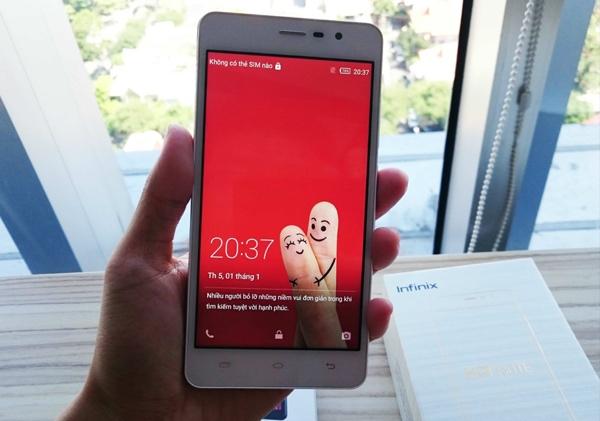 Smartphone 2 SIM có bộ nhớ trong 16GB