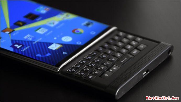 Hệ thống bàn phím vật lý của Priv giúp việc thiết lập phím tắt thuận lợi hơn – Ảnh: BlackBerry