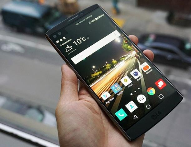 LG V10 có thiết kế sang trọng, cấu hình mạnh mẽ với khung viền thép kết hợp vật liệu Dura Skin siêu bền.
