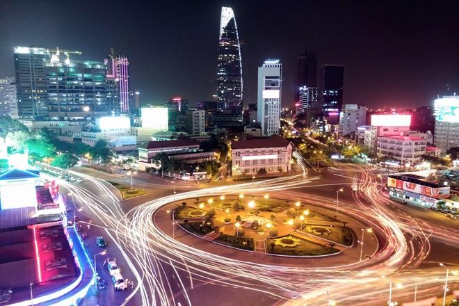 Tính năng phơi sáng 32 giây cho chất lượng ảnh chụp ban đêm chân thực, sắc nét.