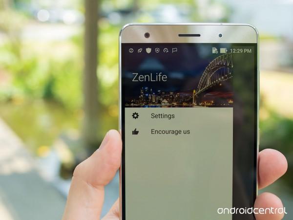 Màn hình công nghệ Super AMOLED với kích thước 5.7 inches, độ phân giải Full HD cho chất lượng hiển thị tốt hơn, đồng thời tiết kiệm năng lương so với thế hệ IPS LCD trên ZenFone 2
