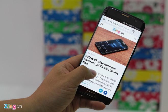 Samsung Galaxy S7 edge bản người dơi được cửa hàng XTMobile (Lê Hồng Phong, TP HCM) xách tay về với giá 50 triệu đồng.