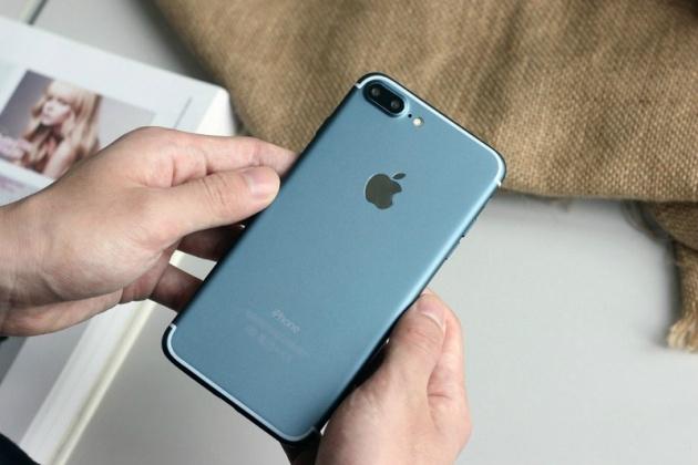 Hình ảnh mới nhất về iPhone 7 với sự xuất hiện của phiên bản màu xanh dương.