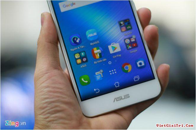 Zenfone 3 Max dùngchip MediaTek 6737, RAM 3 GB bộ nhớ trong 32 GB, Pin 4.100 mAh. Asus cho biết thỏi pin này có thời gian chờ lên đến 1 tháng, đàm thoại liên tục trong 20 tiếng và có thể sạc cho thiết bị khác qua cổng OTG.