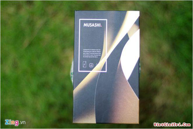 Freetel là thương hiệu đến từ Nhật bản. Musashi là smartphone mới nhất của họ. Trước đó, hãng từng giới thiệu bộ đôi Katana chạy Windows 10.