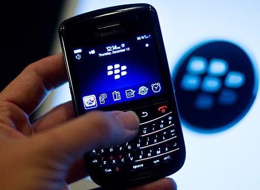 """Sự chậm chạp trong thay đổi và nhiều bước đi sai lầm đã """"giết chết"""" Blackberry."""