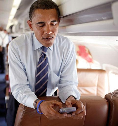 Có thể bạn chưa biết, tổng thống Obama cũng là fan của Blackberry.