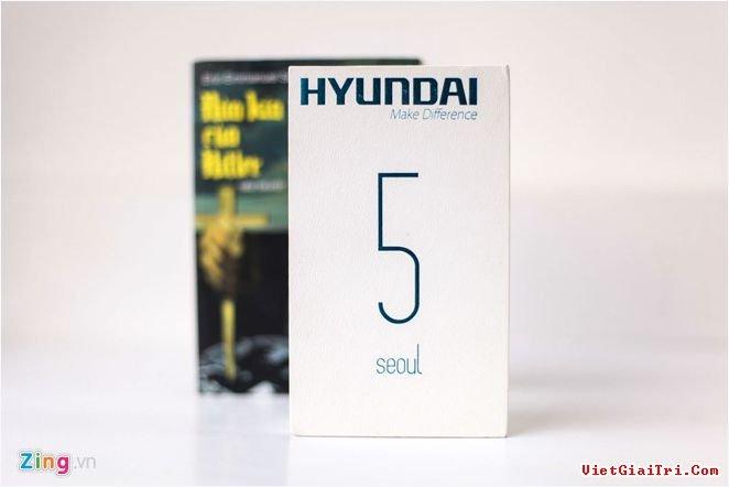 Một chiếc smartphone với thương hiệu quen thuộc – Hyundai vừa bất ngờ xuất hiện ở Việt Nam. Nhiều tin đồn cho biết tập đoàn chuyên sản xuất ôtô, xe tải này sẽ sớm tham gia vào thị trường di động Việt.