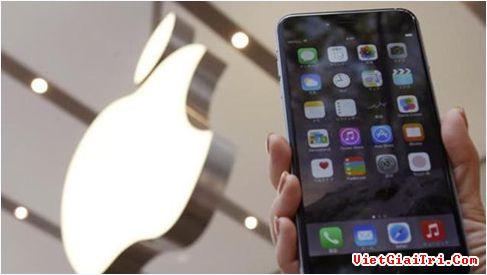 iPhone 8 sẽ được trang bị công nghệ màn hình OLED, thiết kế gần như không viền. ẢNH: AFP