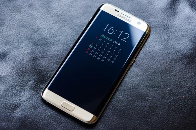 Galaxy S8 bị đánh giá không thể đánh bại iPhone 8. Ảnh: Mashable.