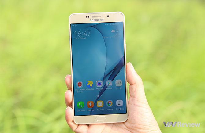 """Chiếc Galaxy A9 Pro là smartphone có thời lượng pin """"trâu"""" nhất hiện nay"""