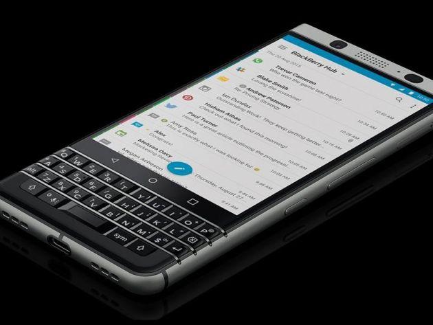 KEYone vẫn giữ lại linh hồn của BlackBerry: bàn phím QWERTY.