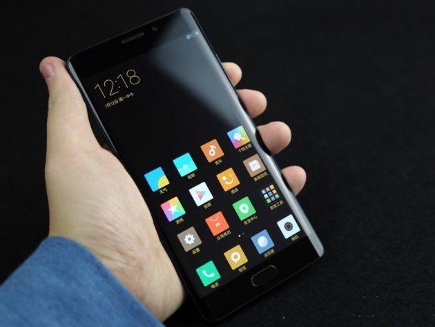 tz-01492087411-image-1492087024-Xiaomi-Mi-Note-2-phone-2