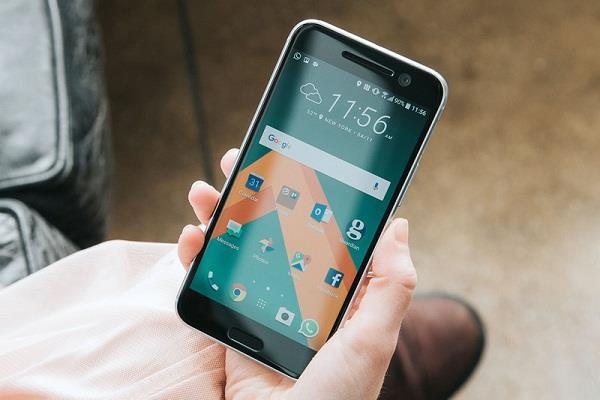 HTC 10 Evo có giá bán 6 triệu tại Việt Nam. Ảnh: Techulator.