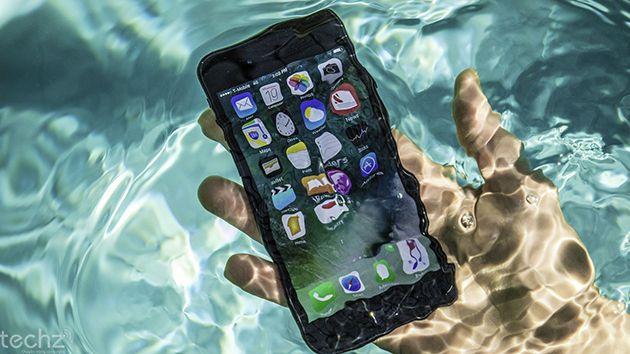 iPhone 2017 sẽ được trang bị tính năng chống nước và sạc không dây.