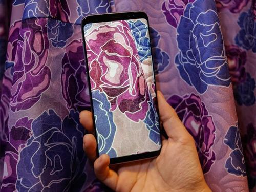 Màu Tím khói này từng được Samsung trang bị trên mẫu Galaxy S8+ tại thị trường quốc tế