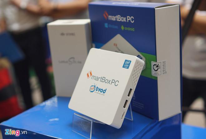 SmartBox PC được thiết kế khá nhỏ gọn, có thể biến hình từ PC mini thành thiết bị giải trí thông minh nhờ màn hình ngoài.