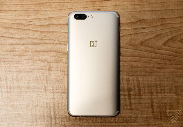 OnePlus 5 Soft Gold chính thức ra mắt.