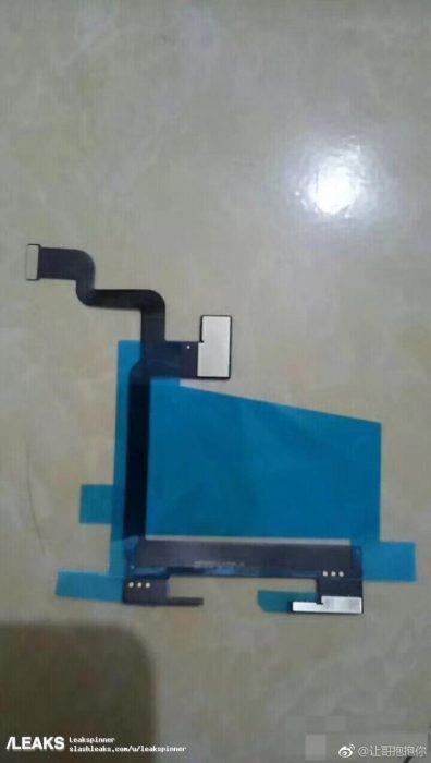 Dây cáp truyền năng lượng được cho là của iPhone 8.