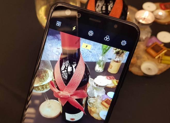 Prime X Max là dòng smartphone 4 camera, gồm 2 camera trước và 2 camera sau.